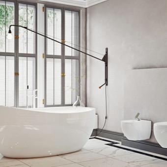 Modernus vonios kambario interjeras yra labai praktiškas ir patogus – klasikinė spalvų gama, natūralios medžiagos – akmens masės grindų ir marmuro sienų plytelės.