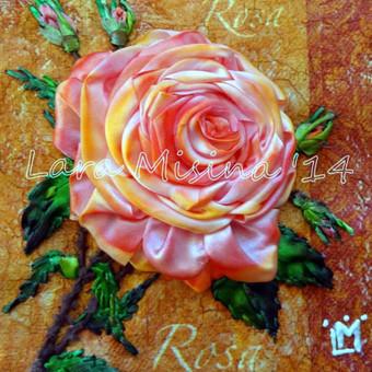 Dovanu idejos teciui, vyrui, virsininkui. Raudona roze. Rankų darbo išsiuvinėtas juostelėmis paveikslas - puiki asmenine dovana ir prezentas verslininkui.  Siuvinejimas juostelemis ant dekupaz ...
