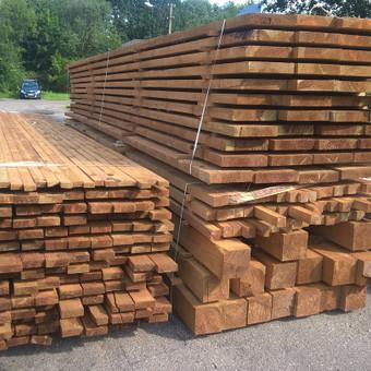 Impregnuota konstrukcinė mediena.