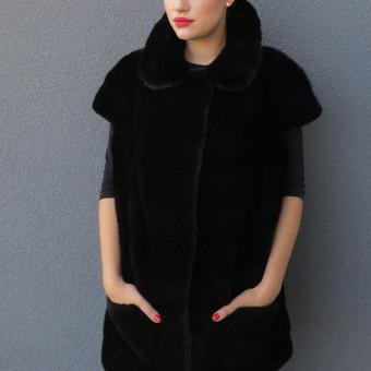 Stilinga liemene is juodos audines kailiuku. Pasiusiu is savo ir klientu kailiuku