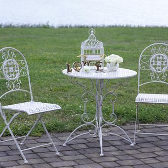 Provanso stiliaus staliukas su kėdėmis