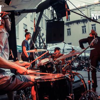 Koncertas Vilniuje, Mokytojų namų kiemelyje