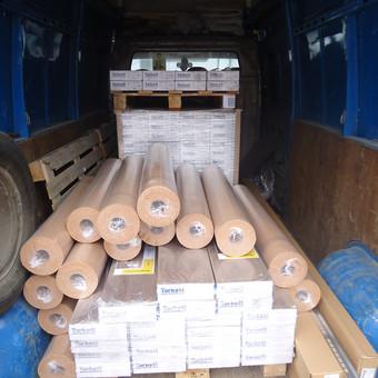 Medinių grindų pervežimas bei užnešimas