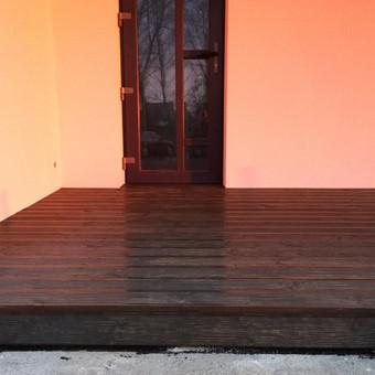 terasa prie iėjimo Ginduliai