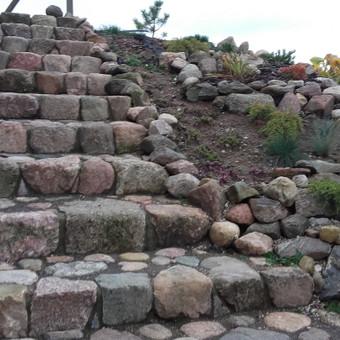 Riedulio laiptai iš lauko akmenų