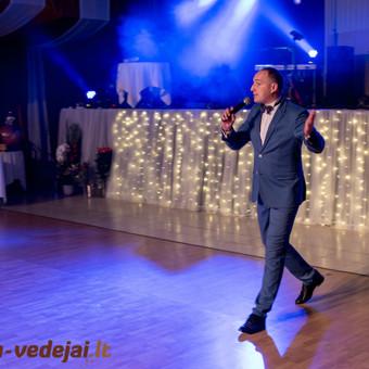 Alvydas Vengalis  http://renginiu-vedejai.lt/renginiu-vedejai/alvydas-vengalis