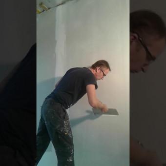 kotedzo sienu paruosimas dazymui