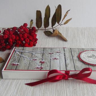Kalėdinis šokoladas rankų darbo dėžutėje