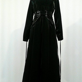 Moteriška suknelė ir korsetas