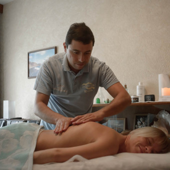 Masažo paslaugos, patyręs masažo meistras Vilniuje / Ilja Berlin / Darbų pavyzdys ID 200863