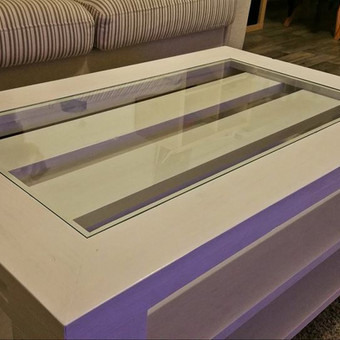 Stalai - staliukai. Kiekvienam klientui pagal individualius užsakymus. :)