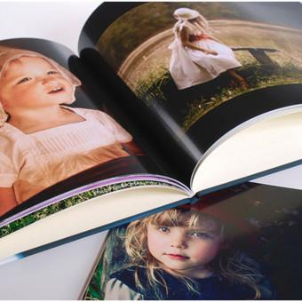Fotoknygos daromos iš Jūsų turimų ir iš mano nufotografuotų nuotraukų. Kaina priklauso nuo fotoknygos dydžio ir puslapių kiekio. Pvz. 28 x 20 cm, 40 psl. fotoknyga su kietu asmeniniu virš ...