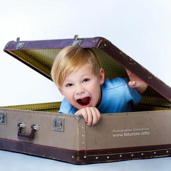 FOTOSESIJOS Siūlomi keli variantai: Asmeninė Poros/ Love Story Nėščiosios Vaikų Šeimos Erotinė / glamūr Fotostudija randasi Aguonų ir Šaltinių gatvių sankirtoje- Šaltinių g. 11 ...