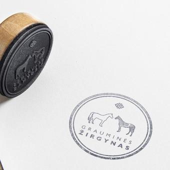 Logotipas  žirgynui ir antspaudo maketas