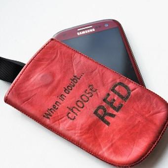 Mobiliųjų telefonų dėkliukų ir kitų aksesuarų graviravimas.