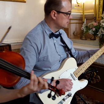 Muzika santuokos ceremonijoje.  Evelinos ir Povilo vestuvės Alytaus šv. Angelų sargų bažnyčioje, 2016 m.