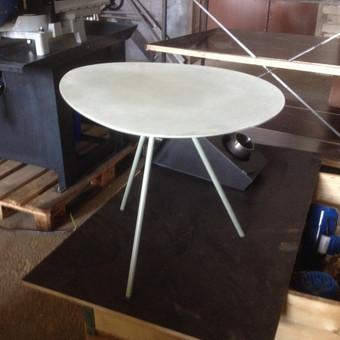 Kavos staliukas.