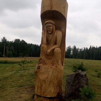 Rupintojelis, sukurtas pagal individualu uzsakima. Aukstis 3 m. Plotis 1m.10cm medis azolas.skulptura pagaminta per 6 dienas.