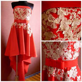 Raudona suknelė siuvinėta rankomis su prabangiu aukso spalvos 3d gipiuru