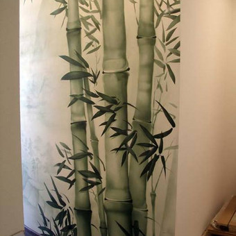 Tapyba ant sienos- nišos. bambukų motyvas, patrauklus žalsvų spalvų koloritas
