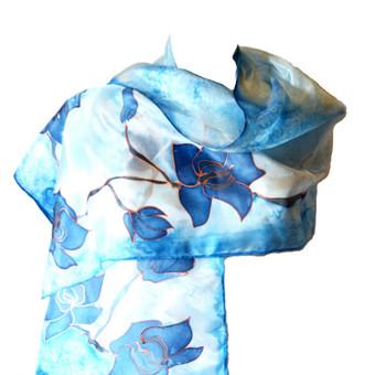 """Natūralaus šilko rankomis tapytas šalis  su žodžiais """"mano svajonės pildosi"""". Išmatavimai 45 x 150 cm, kaina 37.00 Eur"""