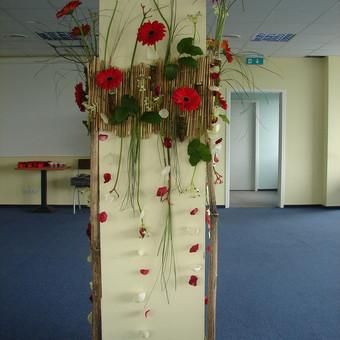 Dekoruojame gyvomis gėlėmis įvairių švenčių proga patalpas,sodybas,sales.
