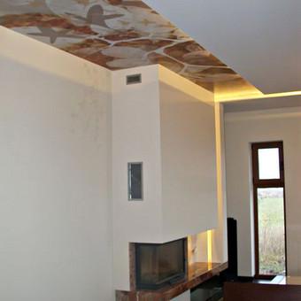 Skaitmeninė  spauda ant 3M PVC plėvelės, užklijuota ant lubų.