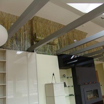 Skaitmeninė  spauda ant 3M PVC plėvelės, užklijuota ant sienos.