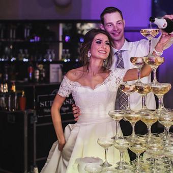 Nuostabios vestuvės ir įspūdingai įamžintos akimirkos!