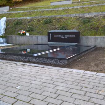 Antakalnio kapinės signatarų kalnelis 865688083