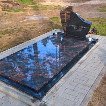 Vienvietės kapavietės įrengimas ir dengimas auroros plokšte kairėnų kapinėse 865688083