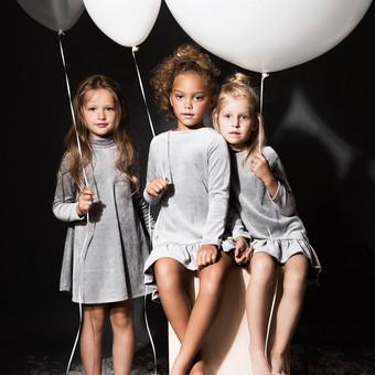 Vaikiškų drabužėlių reklaminės fotosesijos grimas vaikams.