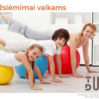 Vidutinio intensyvumo užsiėmimai skirti sustiprinti griaučių - raumenų sistemą, formuojant taisyklingą kūno laikyseną. Grupėje iki 8 vaikų. Užsiėmimo trukmė - 60 min.
