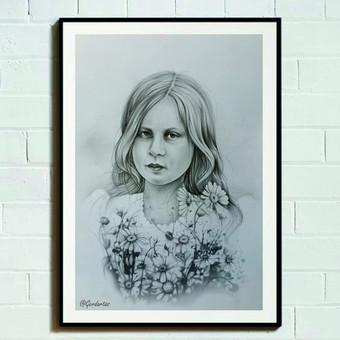 Nespalvotas portretas atliktas pieštuku.