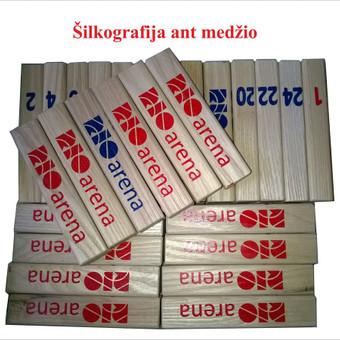 Šilkografija ant įvairių paviršių - mediniai raktų pakabukai