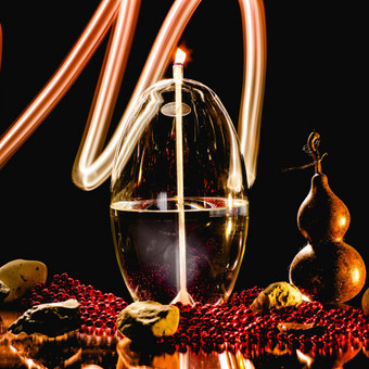 Firelight glass išskirtinio dizaino rankų darbo stiklo žvakidės jūsų namams, biurui ir poilsiui. firelight.lietuva@gmail.com