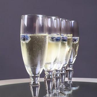 Įvairios paslaugos vestuvėms Vilniuje / PuikiMintis Šampano staliukas / Darbų pavyzdys ID 259611