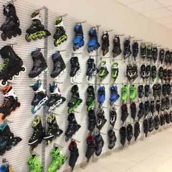 Didelis pasirinkimas riedučių. Įvairių gamintojų ir modelių: K2, Rollerblade, Seba.