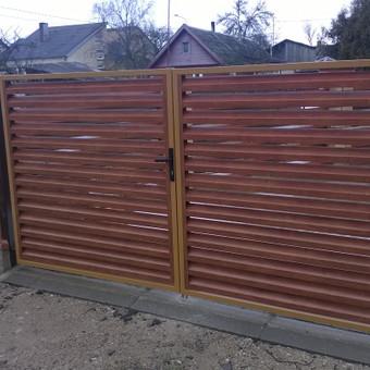 Plieninės tvoros segmentai, tvorų montavimas