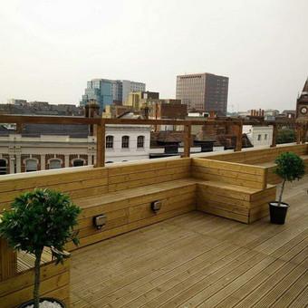 Terasa irengta ant stogo pastato