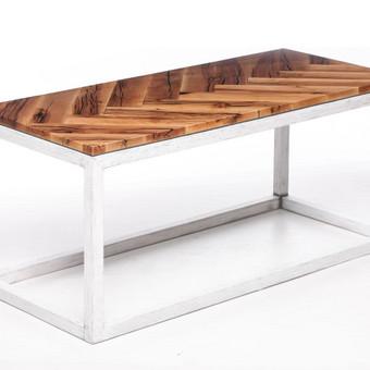 """Kavos staliukas """"Eglute"""",  staliukas turintis savo charakterį."""
