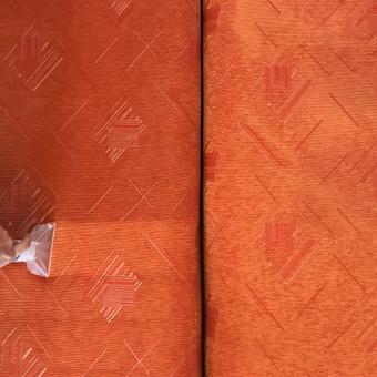 Giluminis minkštų baldų valymas šlapiai plaunančiu siurbliu