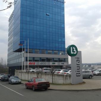 Pilonai, tūrinė reklama