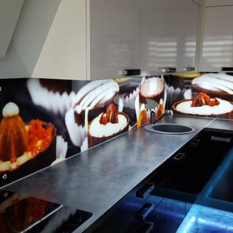 Stiklo sienelė virtuvėje su foto vaizdu / Stiklo Spalvos / Darbų pavyzdys ID 318961