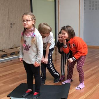 Vaikų žaidiminė joga / Maksimilianas Ponomariovas / Darbų pavyzdys ID 319879