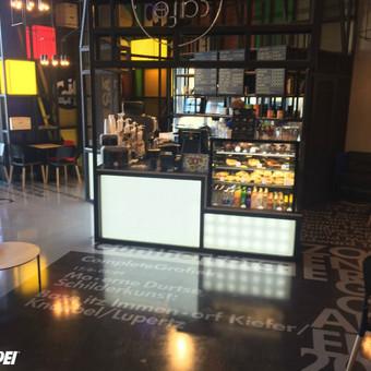 """3D grindys kavinėje """"Caif cafe"""" Vilniuje. Panaudotas specialus 3D grindims skirtas skaidrus epoksidas MAPEFLOOR I 300 SL TRP: http://www.mapei.com/public/COM/products/2051_mapefloor_i_300_sl_trp_gb. ..."""