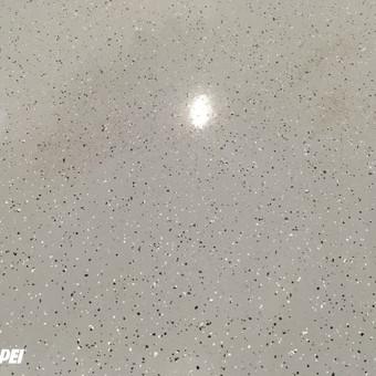 MAPEFLOOR SL savaime išsilyginanti epoksidinė grindų danga. Blizgus paviršius su dekoratyviniu pabarstu.  Sandėliavimo paskirties patalpos Kaune. http://velvemst.lt/uploads/Mapefloor_SL_lt.pdf