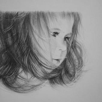 Portretas, nupieštas iš nuotraukos ant A3 dydžio vatmano popieriaus grafitiniais pieštukais. Pavyzdys