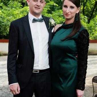 Proginė sparagdinė suknelė su viena rankove