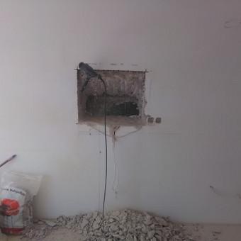 Virtuvinės įrangos montavimas- monolito siena